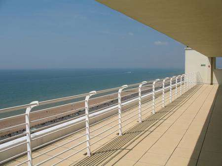 Seafront BN1 room £395pm, 4 berth boat for 1 at £380pm incl.