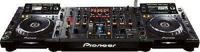 Brand New SET OF 2x PIONEER CDJ-2000 PLAYER