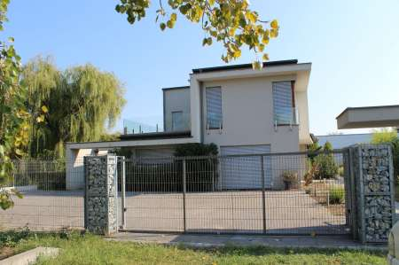 Passive house is for sale in Kistelek, Hungary