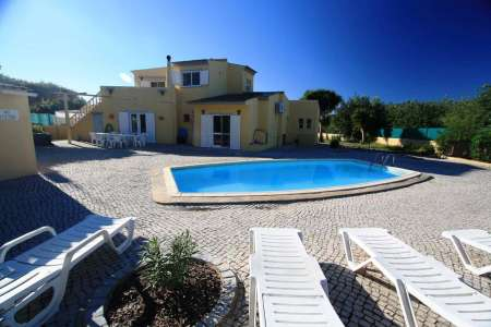 Amazing Villa with Swimming Pool and Beautifull Gardens in Sunny Algarve, Portugal